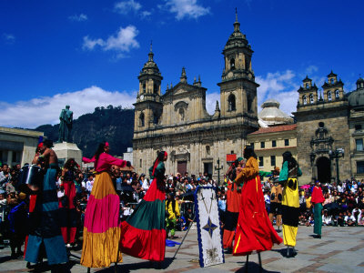 bn19_18-fbstreet-theatre-performance-in-the-plaza-de-bolivar-bogota-colombia-posters.jpg